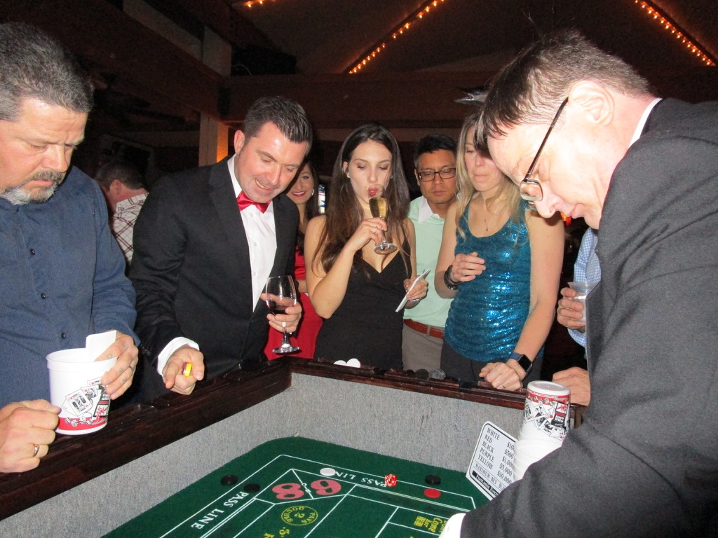 casino-theme-party-games
