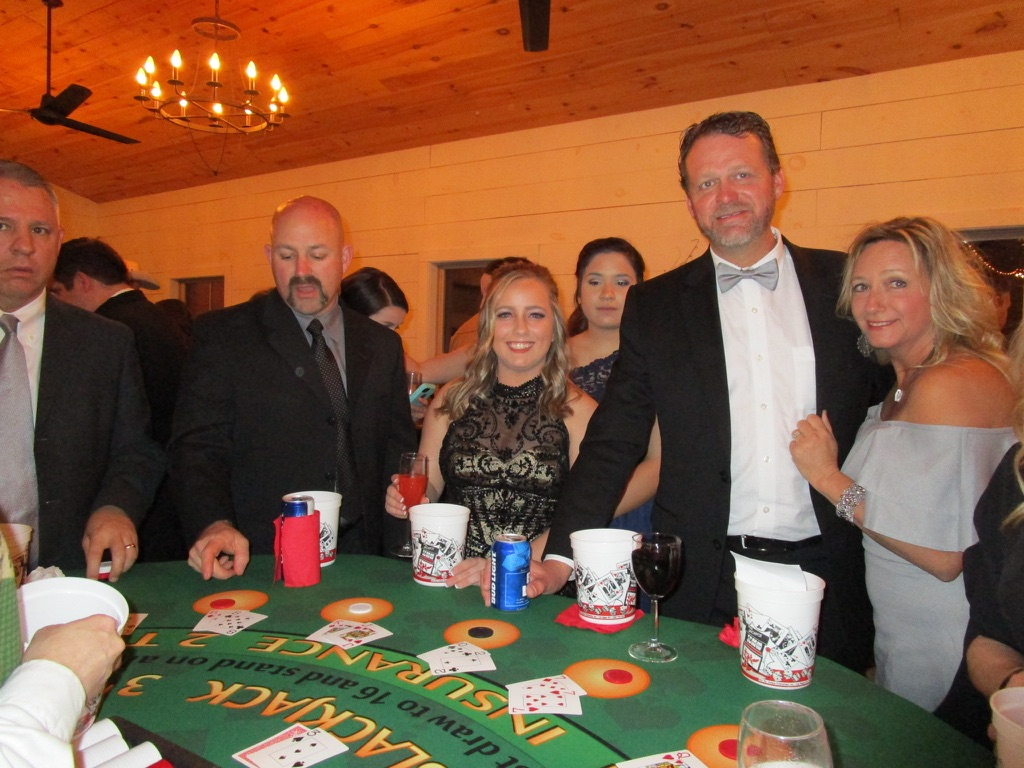 casino-theme-party-supplies
